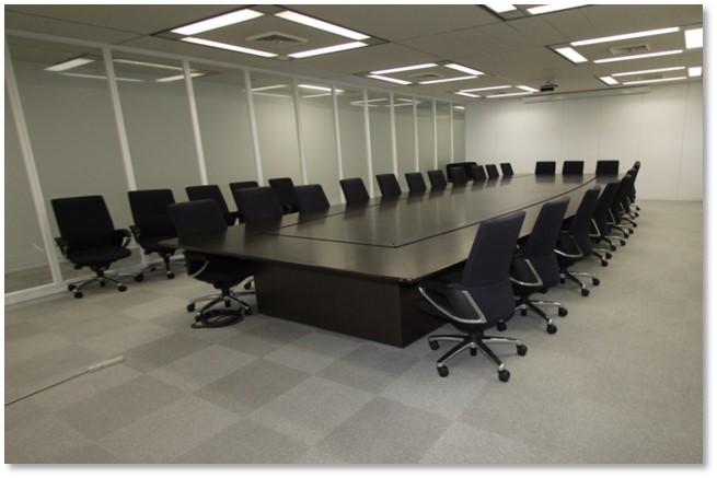 リニューアル後の大会議室